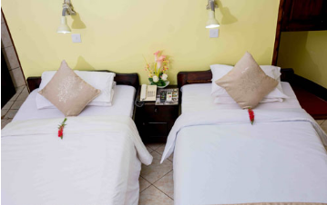 African Cottage – Twin Beds